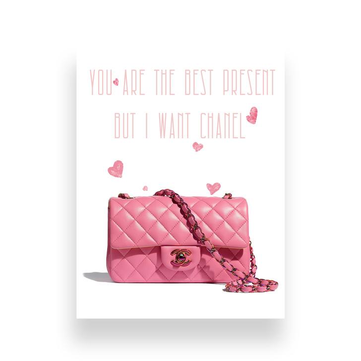 Фото №1 - Вместо «валентинки»: миниатюрные сумки, которые станут отличным подарком на 14 февраля