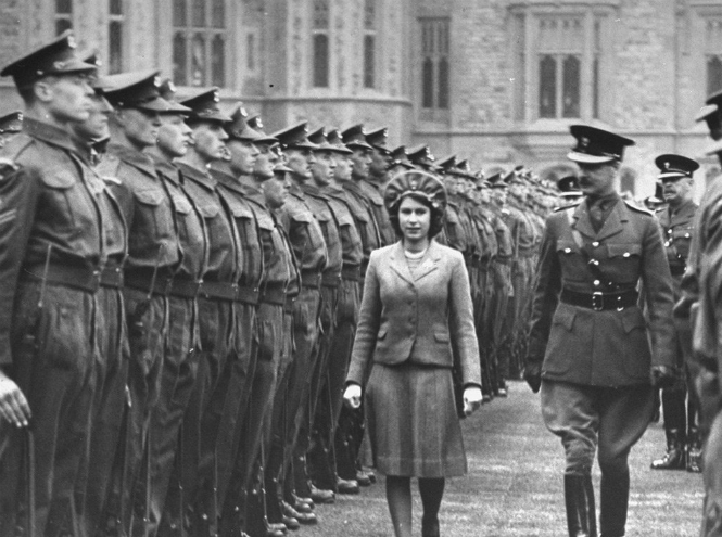 Фото №13 - Королева Елизавета II: история в фотографиях