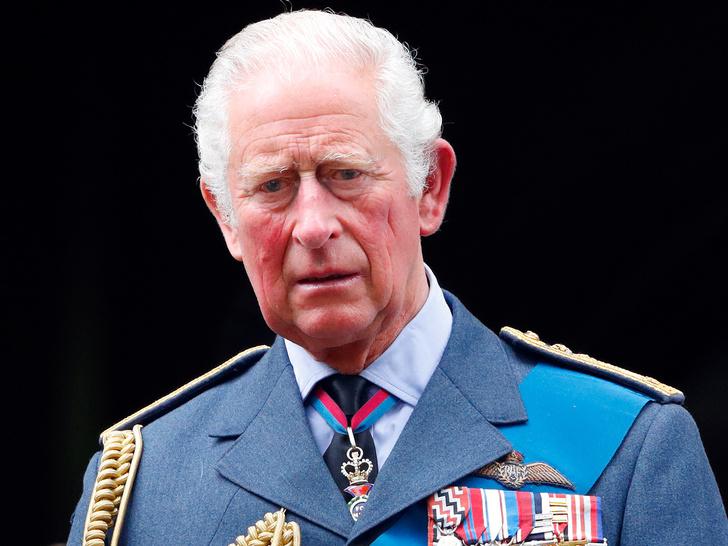 Фото №1 - Новые проблемы принца Чарльза, которые могут стать препятствием на его пути к трону