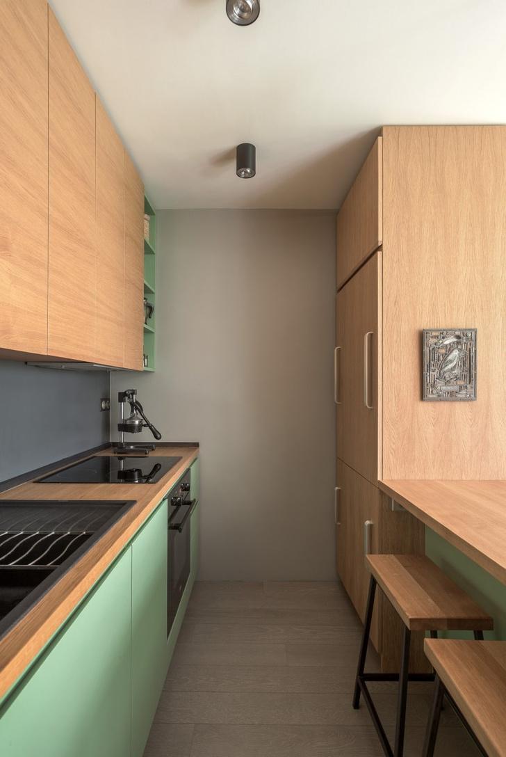 Фото №8 - Маленькая студия 30 м² со встроенной мебелью в Париже