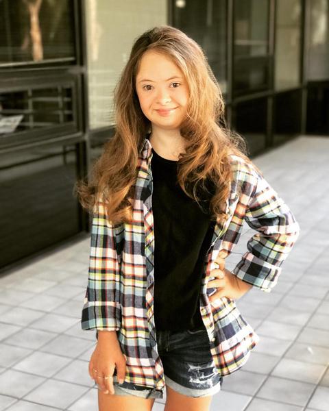 Фото №7 - Девочка с лейкемией и синдромом Дауна стала моделью: фото
