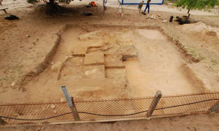 Фото №1 - Во Франции обнаружен таинственный древний курган