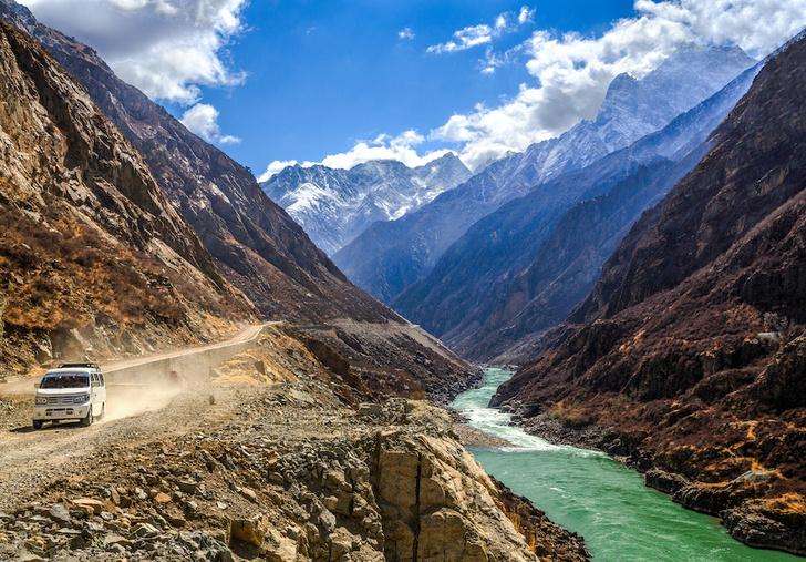 Фото №6 - Большой и еще больше: удивительные каньоны на поверхности Земли и не только