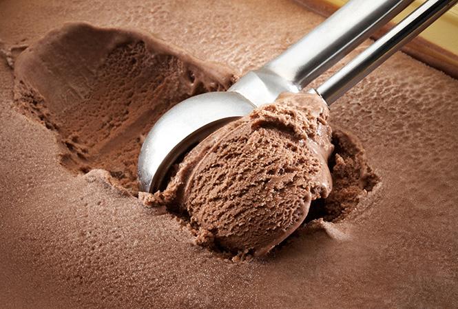 Фото №11 - Спасительная прохлада: 5 рецептов замороженных десертов