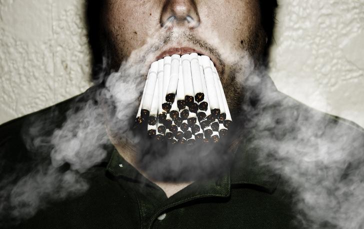 Фото №1 - Что происходит с тобой после выкуривания пачки сигарет (видео)
