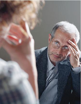 АЛЕКСАНДР БАДХЕН – психотерапевт, один из основателей Института психотерапии и консультирования «Гармония» (Санкт-Петербург). Соавтор книги «Мастерство психологического консультирования» (Речь, 2006).
