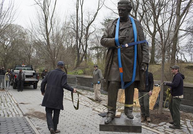Фото №1 - В Нью-Йорке предложили заменить несколько памятников великим мужчинам на скульптуры великих женщин