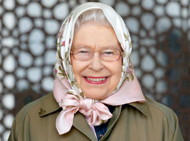 Фото №1 - Давняя привязанность: история одной модной страсти Королевы