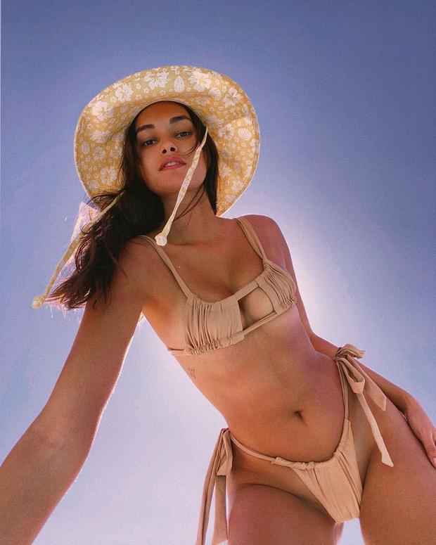 Фото №1 - Для тех, кто любит погорячее: «голое» бикини Жизель Оливейры
