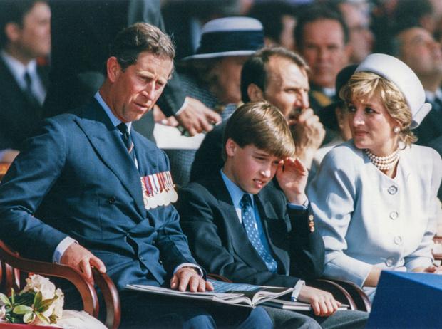 Фото №6 - Братья, соперники, наследники: как менялись Уильям, Гарри и их отношения с годами