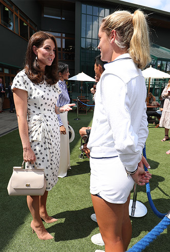 Фото №9 - Кейт в горошек и Меган в полоску: на что намекают две герцогини