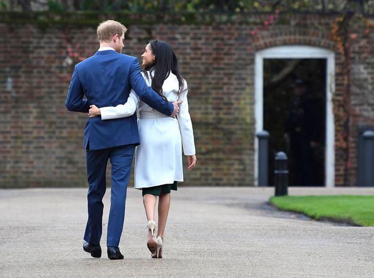 Фото №1 - На радость бабушке: почему уход Гарри и Меган выгоден британской монархии