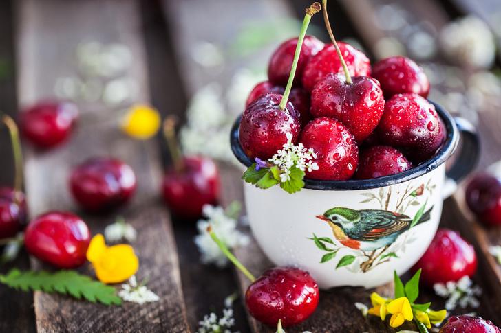 Фото №2 - Почему нельзя есть фрукты и ягоды после обеда