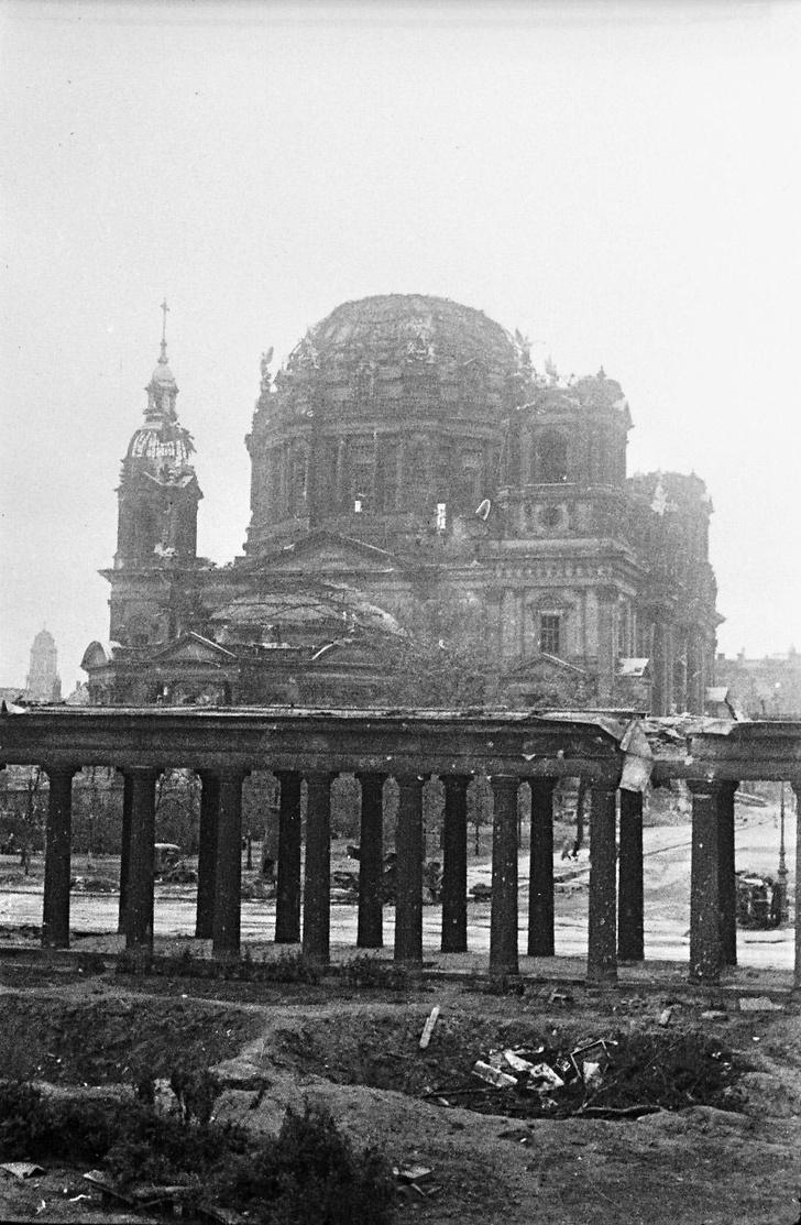 Фото №5 - Покоренный Берлин глазами военного фотографа: репортаж из мая 1945-го