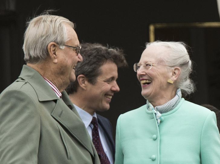Фото №27 - Принц Хенрик и Королева Маргрете: история любви в фотографиях