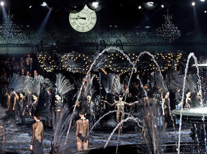 Фото №14 - 14 культовых показов за всю историю Недели Моды в Париже