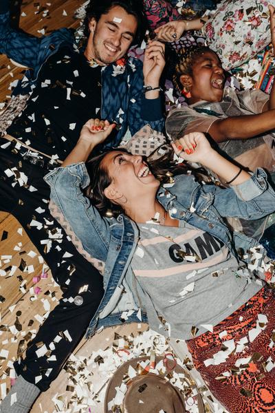 Фото №2 - Party Queen: как закатить мировую вечеринку 🤩