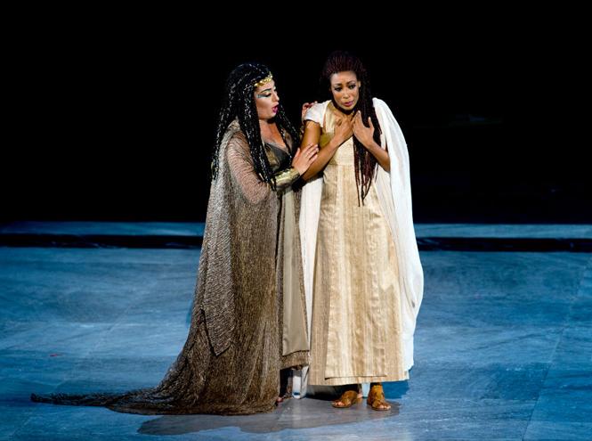 Фото №4 - Оперный сезон в Европе: какие музыкальные фестивали посещают аристократы и политики
