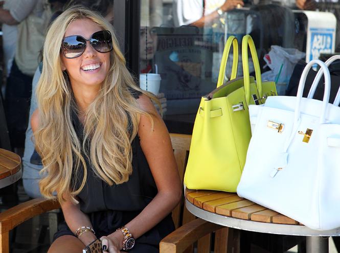 Фото №2 - Клуб по интересам: знаменитые поклонницы сумок Birkin