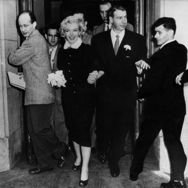 Фото №5 - Три свадьбы Мэрилин Монро: в чем выходила замуж главная блондинка Голливуда