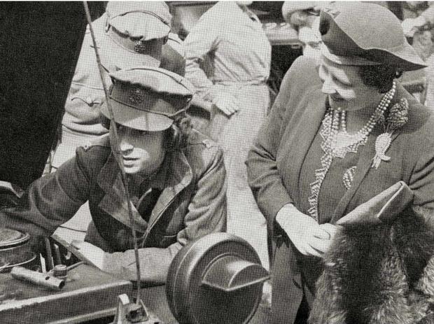 Фото №6 - Принцесса-водитель: как Елизавета служила своей стране во время войны