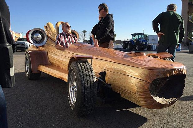 Фото №4 - Бешеная газонокосилка и неудержимый сарай: самые странные рекорды скорости