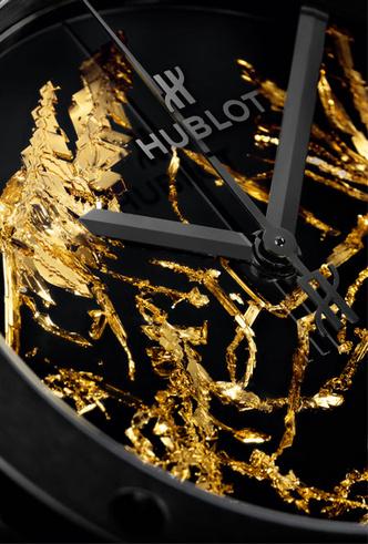 Фото №2 - Hublot представили новинку, украшенную кристаллами золота