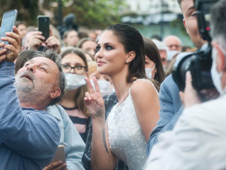 Фото №1 - Как повторить образ Агаты Муцениеце на кинофестивале «Горький Fest»