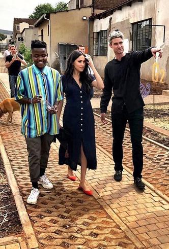 Фото №41 - Все наряды герцогини Меган в туре по городам Южной Африки