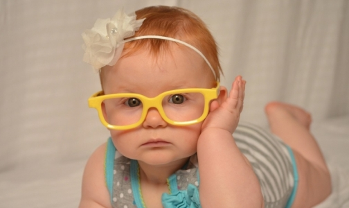 Фото №1 - Близорукое человечество. Как мы «помогаем» своим детям стать очкариками
