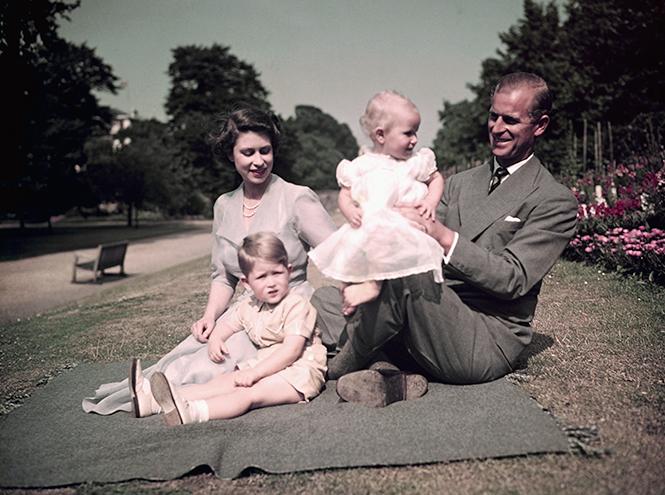 Фото №7 - Королевский отпуск: любимые места отдыха монарших особ разных лет
