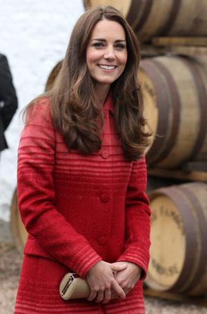 Фото №28 - Королевский дресс-код: любимые сумки герцогини Кембриджской