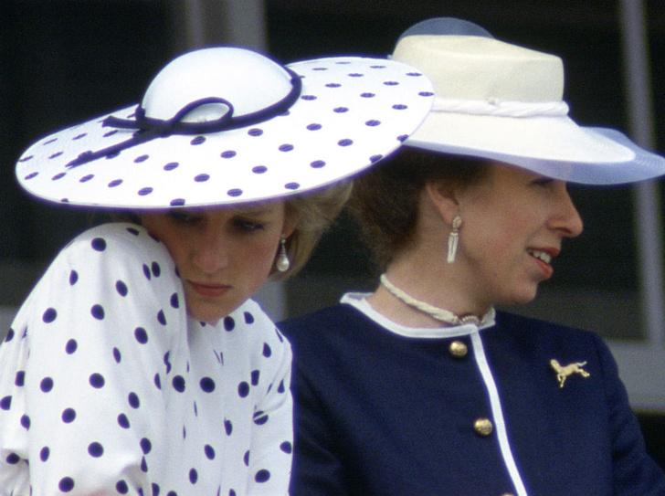 Фото №2 - «Плохие» невестки: из-за чего принцесса Анна невзлюбила Диану и Ферги