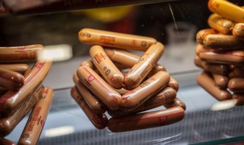 Фото №1 - Половину молочных сосисок из петербургских магазинов признали фальсификатом