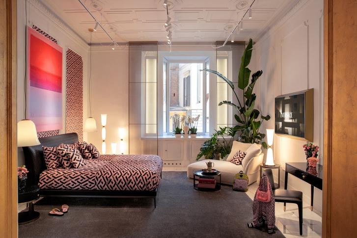 Фото №7 - Новая коллекция Versace Home в Милане