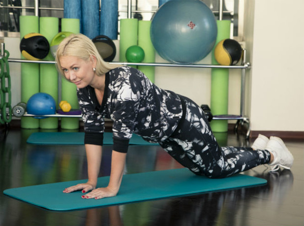 Фото №9 - 10 минутный комплекс упражнений для тех, у кого нет времени на спорт