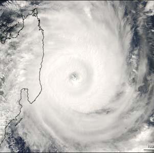 Фото №1 - Мадагаскар растрепало ураганом