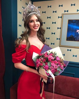 Фото №1 - Мисс Россия без фотошопа: 13 реальных фото победительниц