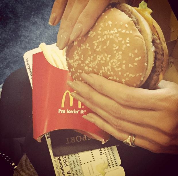 Фото №13 - Звездный Instagram: Все любят фастфуд
