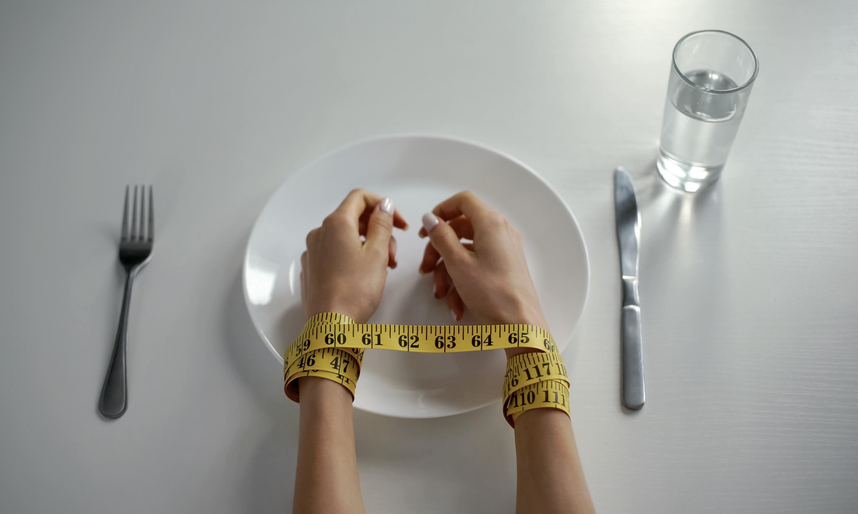 Жесткая диета и тренировки