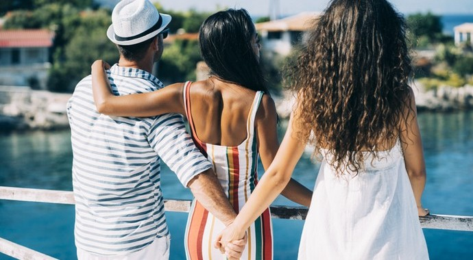 Вы узнали, что подруге изменяет муж. Говорить ли ей об этом?