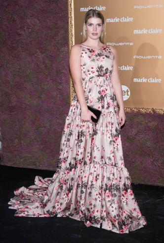 Фото №13 - Модный букет: как королевские особы носят цветочный принт