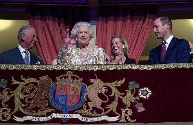 Фото №18 - Самые интересные моменты вечеринки в честь 92-летия Королевы