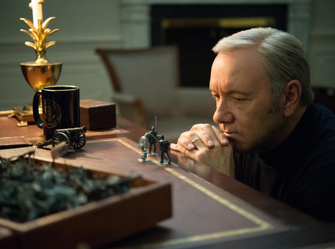 Фото №24 - «Карточный домик»: четыре сезона в кратком изложении и спойлер пятого