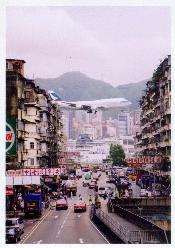 Фото №13 - Приготовьтесь к посадке: 18 cамых опасных аэропортов мира