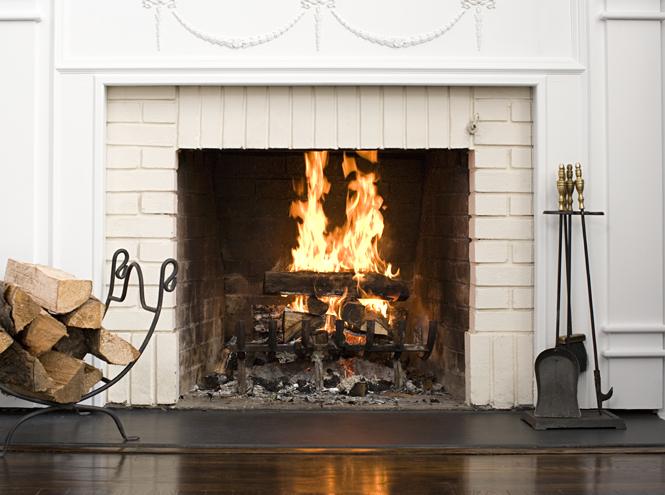 Фото №2 - Зимний парфюм: 14 ароматов с нотами дыма и горящего дерева