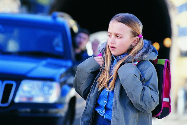 Фото №2 - Жертвы воспитания: почему дети не умеют звать на помощь