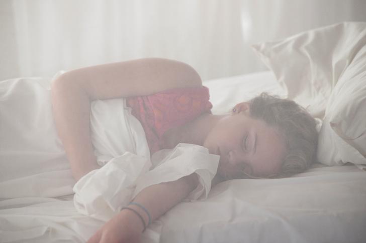 Фото №1 - Недосып склоняет человека к перееданию