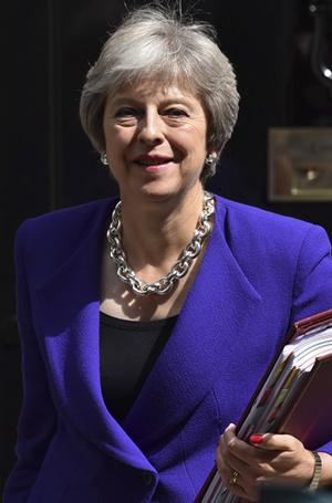Фото №4 - Тереза Мэй: модная дипломатия и уникальный стиль главы Великобритании