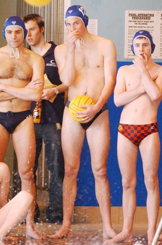 Фото №14 - Королевский пляж: плавки и бикини монарших особ